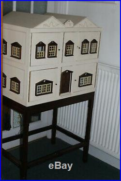 DOLLS HOUSE, wooden, fully furnished, used, very good condition