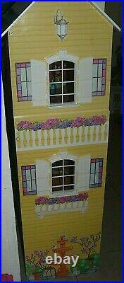 KidKraft My Dreamy Sturdy Wooden Doll House with car & 4 dolls