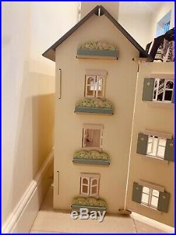 Le Toy Van Cherry Tree Hall Wooden Dolls House