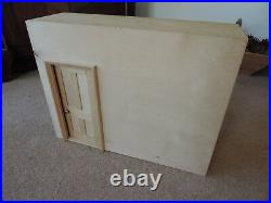 Vintage Dolls House/Wooden Fold Out Room from'Tridias' circa 1970's
